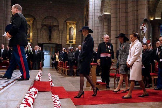 Mardi 19 novembre, 10 heures, dans la cathédrale Notre-Dame-Immaculée de Monaco. Albert, Charlène, Stéphanie et Caroline vont assister au Te Deum.