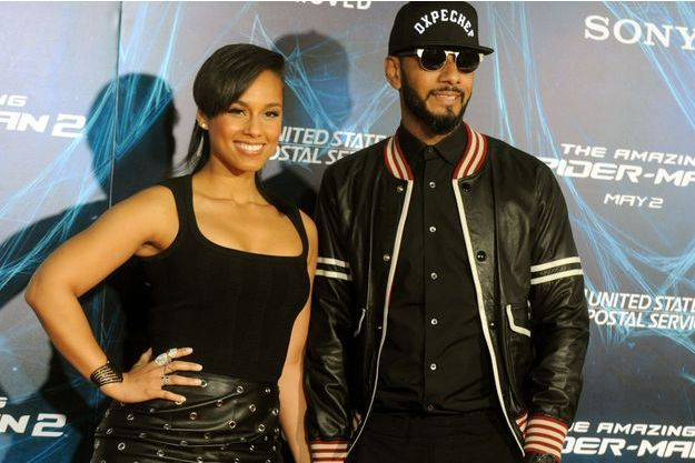 """Alicia Keys et Swizz Beatz assistent à l'avant-première de '' The Amazing Spider-Man 2 """" qui s'est tenue au Théâtre Ziegfeld à New York City, Etats-Unis le 24 avril 2014."""