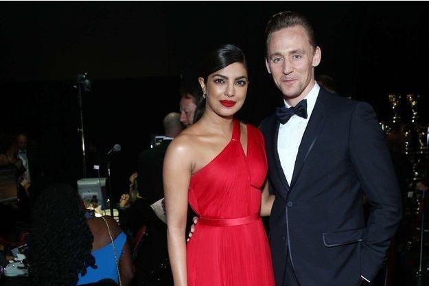 Priyanka Chopra et Tom Hiddleston après la cérémonie des Emmy Awards