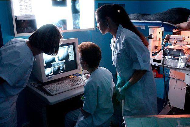 Une biopsie à l'hôpital de Clermont-Ferrand