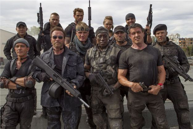 Le casting d'Expendables 3 au complet :  Jet Li, Jason Statham, Ronda Rousey, Kelsey Grammer, Sylvester Stallone, Randy Couture, Antonio Banderas, Wesley Snipes, Kellan Lutz, Arnold Schwarzenegger, Glen Powell Jr, Dolph Lundgren, Terry Crews.