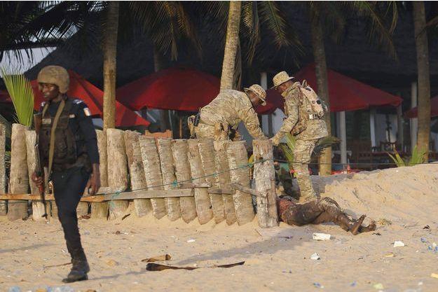 L'attaque a fait au moins seize morts.