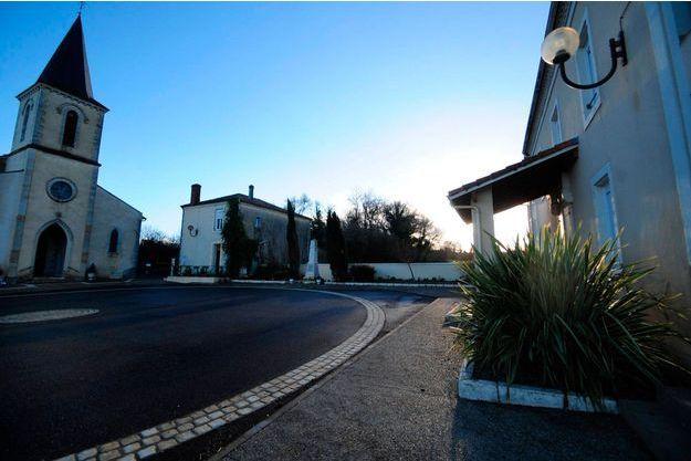 La mère qui aurait tué son bébé habitait à côté de l'Eglise du village de Serres-Gaston, dans les Landes.