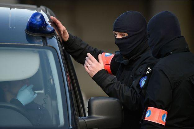 Des policiers de la brigade anti terroriste belge