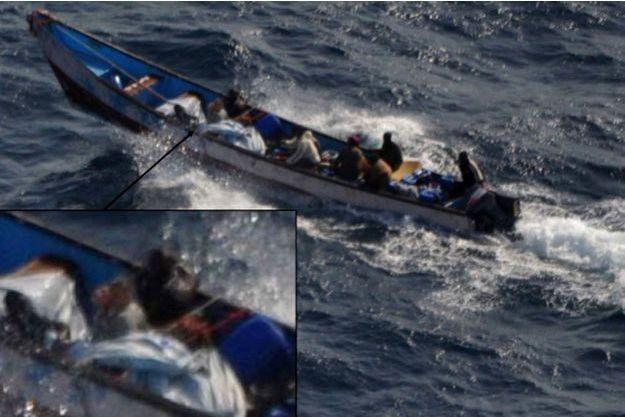Selon le ministère de la Défense espagnol, l'embarcation des pirates avec à son bord Evelyne Colombo, captive.