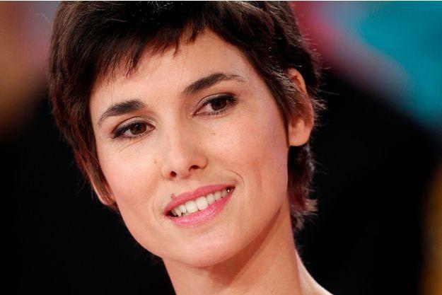 """Eglantine Eméyé, l'animatrice de """"Jour de brocante"""" sur France 3, était sur le plateau de """"Vivement Dimanche"""" le 7 octobre dernier."""