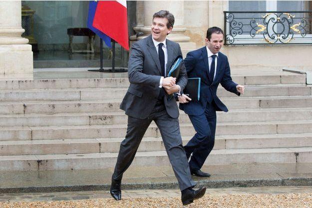 Arnaud Montebourg  et Benoît Hamon devant le perron de l'Elysée  en mai dernier.