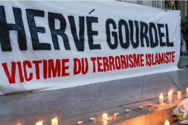 Les hommages à Hervé Gourdel se sont multipliés ce week end, comme ici à Lyon.
