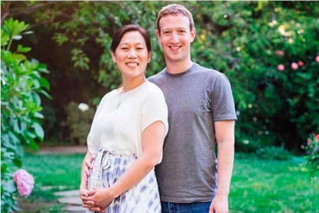 La photo postée par Mark Zuckerberg sur sa page Facebook de lui et de sa femme enceinte.