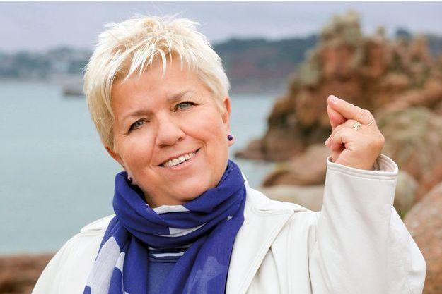 """Mimie Mathy joue dans la série TV """"Joséphine, ange gardien"""", créée par Laurent Chouchan, Michel Lengliney et Philippe Niang en 1997 (saison 15, épisode 3 : """"Légendes d'Armor"""")."""