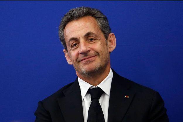 A Nice, en compagnie de Bernadette Chirac, l'ancien président a inauguré un institut contre la maladie d'Alzheimer.