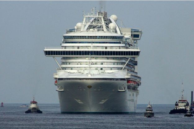 Le Crown Princess en juillet 2006.