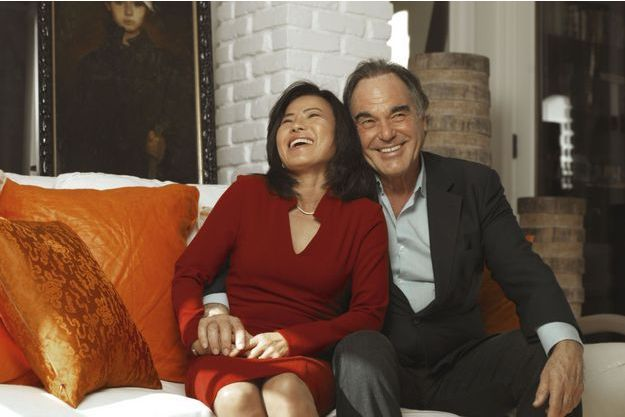Sun-jung partage la vie du bouillant cinéaste depuis bientôt dix-huit ans.