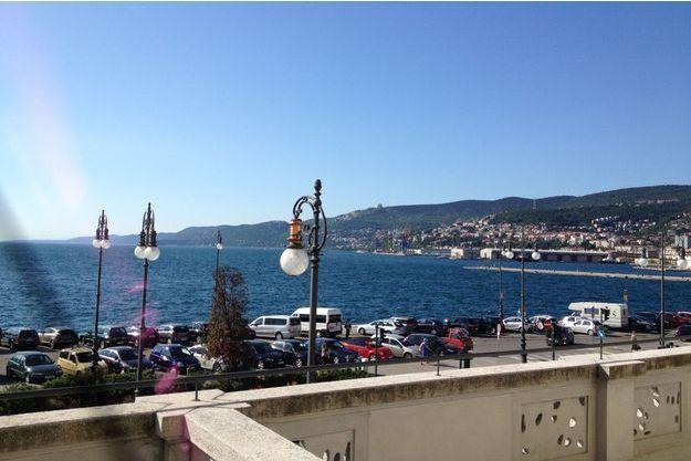 A Trieste, un décor de carte postale.