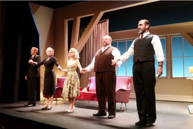 """La troupe de """"Victor"""" sur scène."""