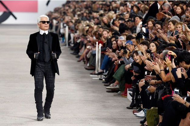 Karl Lagerfeld au défilé Chanel en octobre 2013.
