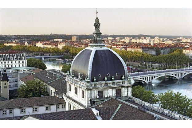 A Lyon, autour du dôme de l'Hôtel-Dieu érigé en 1755, les 140 chambres domineront le Rhône.