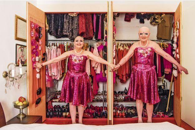 Eva & Adele, jumelles hermaphrodites dans l'art.