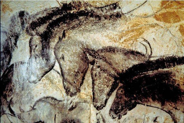 Les fresques de la grotte Chauvet comptent parmi les plus anciennes au monde. Bartabas fait partie des rares priviliégiés qui ont pu entrer dans le sanctuaire. Il a fallu l'arracher à la contemplation de ces chevaux peints il y a plus de 30 millénaires.