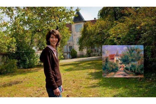 Sophie partage son temps entre Paris et la maison d'Essoyes, dans l'Aube, qu'elle ouvre aussi au public. En médaillon : « La maison d'Essoyes », de Pierre-Auguste Renoir (1906), huile sur toile, 41 x 33 cm, Galerie Daniel-Malingue, Paris.