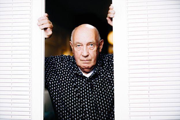 En 1982, Raymond Depardon avait signé «San Clemente», une immersion dans une institution psychiatrique de Venise. Et En 1988, «Urgences», à l'Hôtel Dieu de Paris.