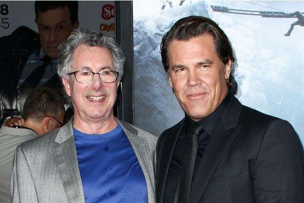 """Beck Weathers et son double à l'écran Josh Brolin, lors de l'avant-première hollywoodienne d'""""Everest""""."""