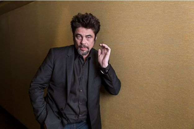 "Benicio Del Toro incarne Pablo escobar dans ""Paradise Lost"""