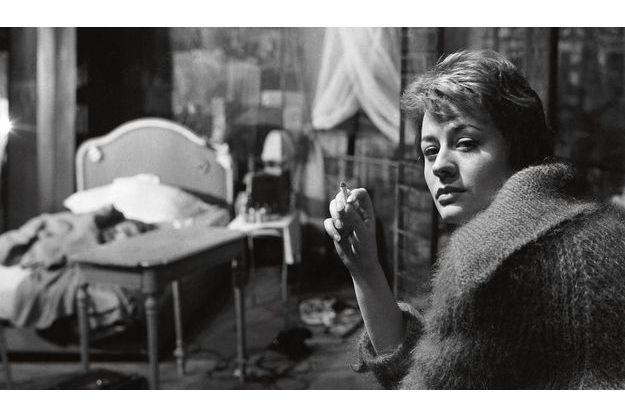 Annie Girardot, en 1958,  à 27 ans. Luchino Visconti la choisit pour jouer dans  « Deux sur la balançoire » de William Gibson, au côté  de Jean Marais.