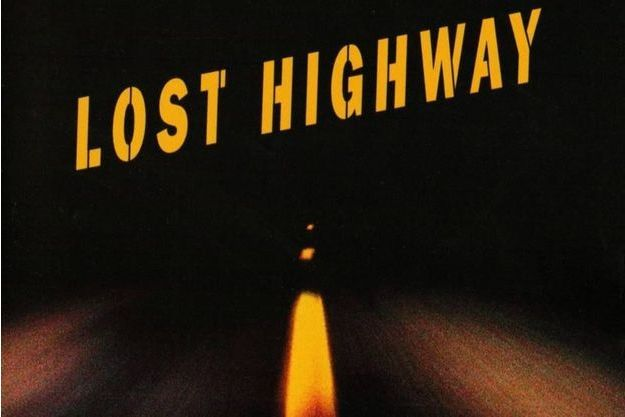"""I'm Deranged"" chante David Bowie sur le générique final de ""Lost Highway"" de David Lynch."