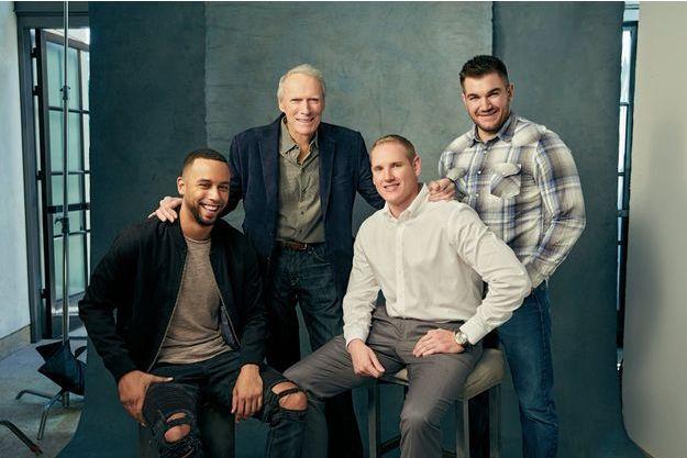 Avec le légendaire Clint, de g. à dr., Anthony Sadler, Spencer Stone et Alek Skarlatos. «Le 15h17 pour Paris» sera sur les écrans le 7 février.