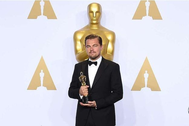 """Leonardo DiCaprio enfin récompensé aux Oscars pour son rôle dans """"The Revenant"""" le 28 février 2016."""
