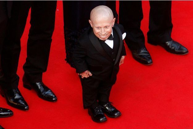 "Verne Troyer sur les marches du Festival de Cannes en 2009 pour ""The imaginarium of Doctor Parnassus""."