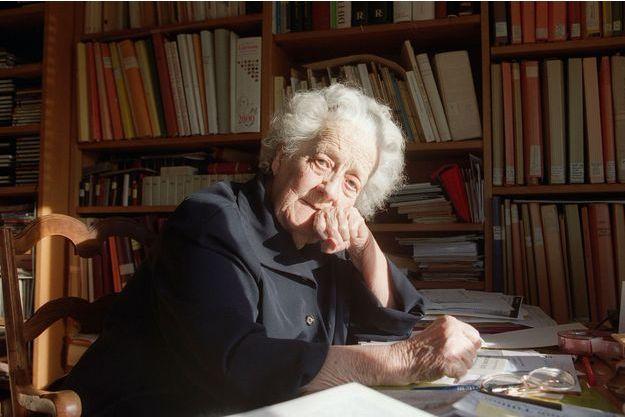 Germaine Tillion, en novembre 2000, quelques jours après avoir signé un appel à la condamnation de la torture durant la guerre d'Algérie.