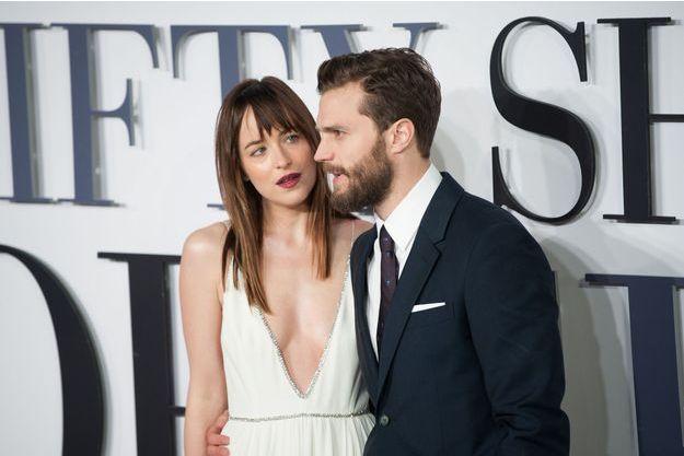 """Dakota Johnson et Jamie Dornan à la première londonienne de """"Cinquante nuances de Grey""""."""