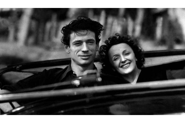 """Edith Piaf et Yves Montand dans """"Etoile sans lumière"""" en 1946."""