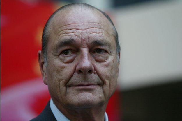 2004. Jacques Chirac en voyage en Asie.