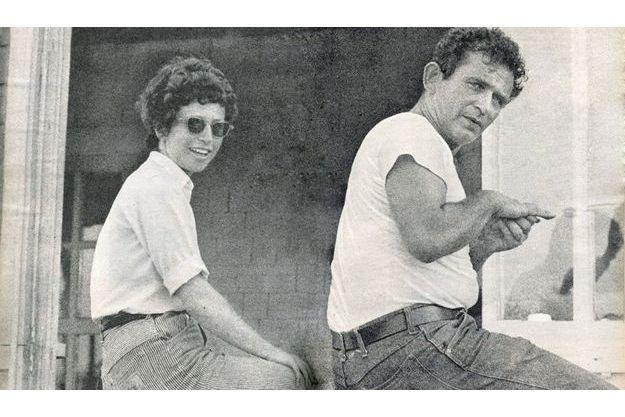 Mailer avait épousé Adele Morales en 1954. Peintre au talent reconnu, elle est toujours en activité. Deuxième Mme Mailer, elle lui donnera deux filles, et divorcera quelques semaines plus tard.