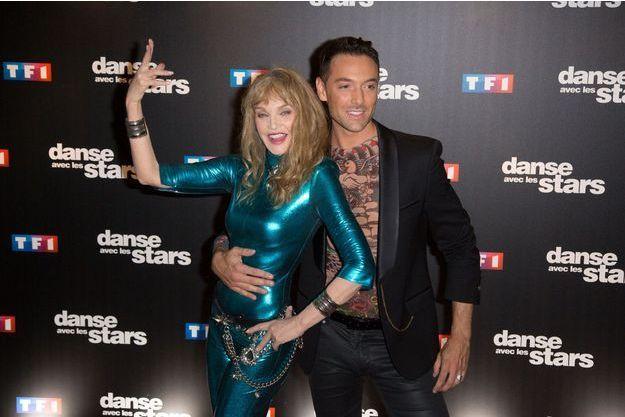 Arielle Dombasle et son danseur Maxime Dereymez.