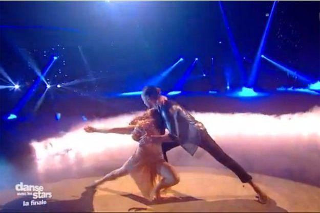 """Denitsa Ikonomova et Laurent Maistret lors de la finale de """"Danse avec les stars""""."""