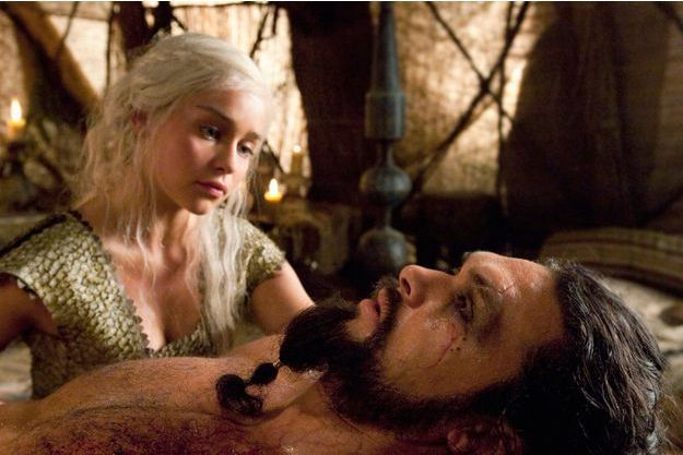 Emilia Clarke et Jason Momoa.