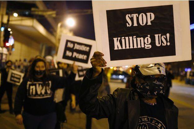 La manifestation de Ferguson après la mort de Michael Brown, un adolescent noir qui n'était pas armé.