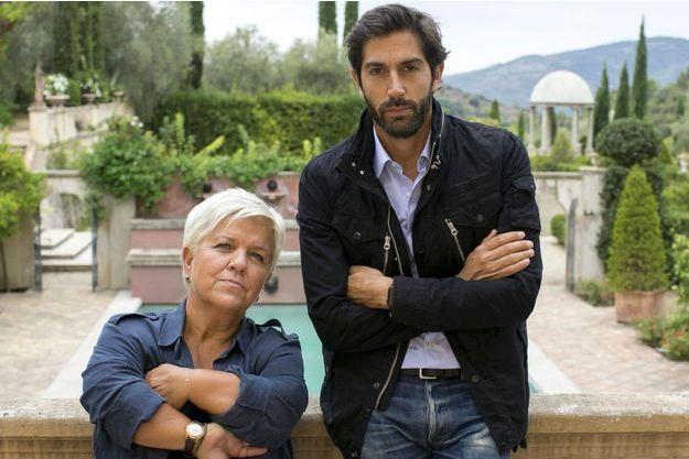 """Mimie Mathy et Mathieu Delarive dans """"Le Prix de la vérité""""."""