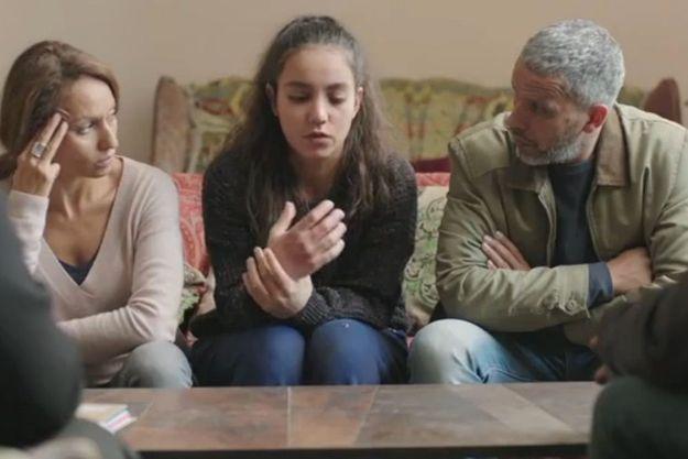 Inès (Samia Sassi), Chama (Lina Elarabi) et Mehdi (Sami Bouajila)
