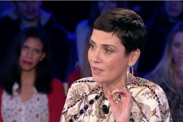 """Cristina Cordula sur le plateau d'""""On n'est pas couché samedi""""."""