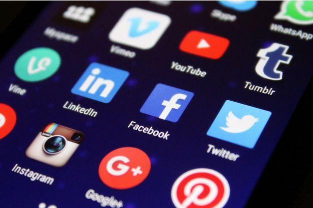 Les réseaux sociaux se mettent à jour en 2018.