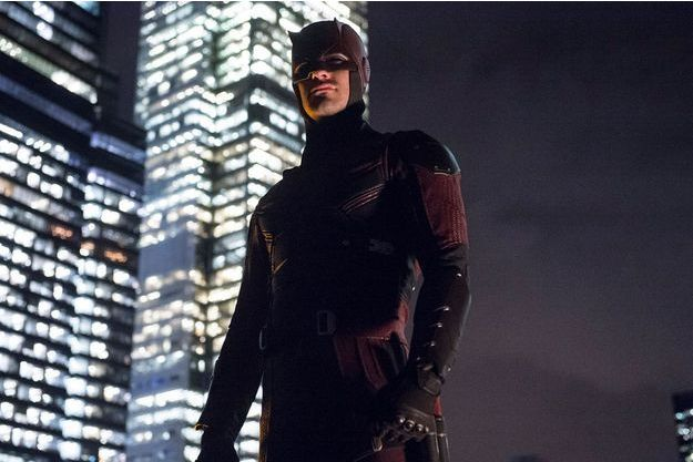 "Le costume de ""Daredevil"" à la fin de la saison 1."