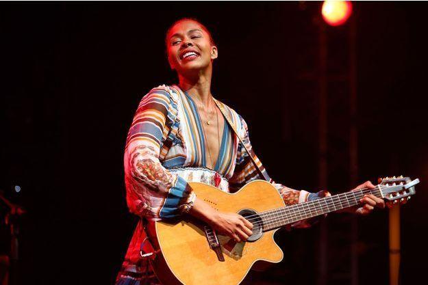 Ayo chante lors de la 17e édition du Gnaoua World Music Festival à Essaouira au Maroc, le 14 juin 2014.