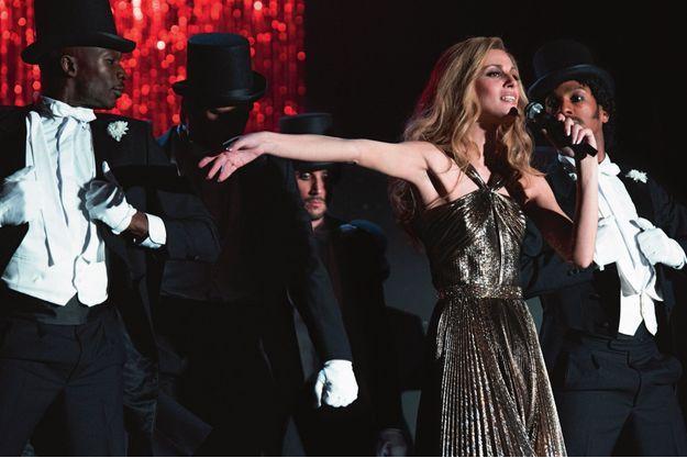 L'illusion est parfaite. Ce n'est pas Dalida, reine du disco au Palais des Sports en 1980, mais Sveva Alviti en 2016.