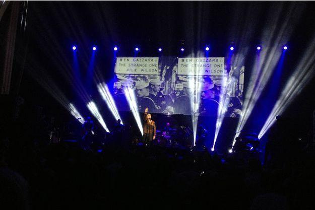 Morrissey sur la scène du Grand Rex, à Paris.