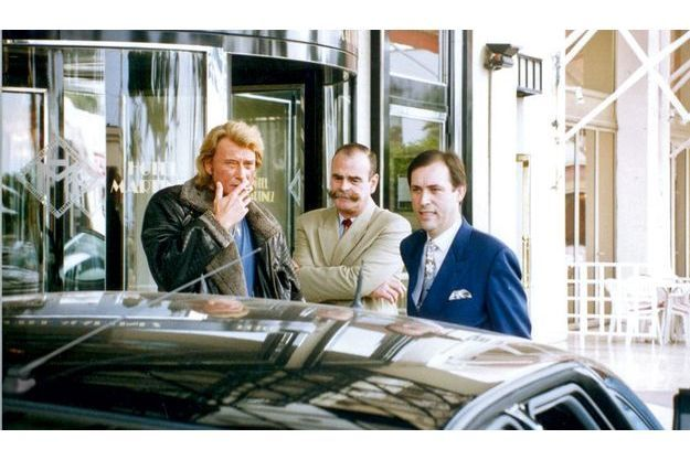 Devenu directeur du Martinez, je pose (en bleu) avec Jacques Chavance, le directeur d'exploitation et Johnny
